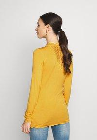 MAMALICIOUS - MLREESE - Camiseta de manga larga - golden apricot - 2