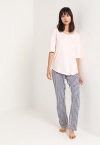 LASCANA - PANTS - Pyjama bottoms - rose/grey - 1