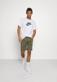 Nike Sportswear - TEE FESTIVAL FUTURA - T-shirt med print - white - 1