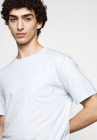 Tiger of Sweden - DIDELOT - Basic T-shirt - pastelblue - 5