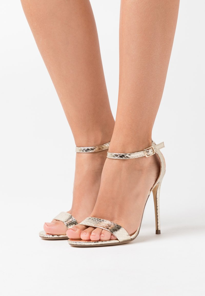 New Look - URBAN METALLIC  - Sandaler med høye hæler - gold