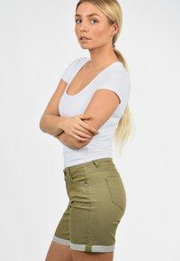 Desires - JEANSSHORTS LILA - Denim shorts - light green - 5
