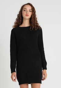 Noisy May - NMSIESTA O NECK DRESS - Strikket kjole - black - 0
