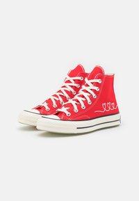 Converse - CHUCK 70 UNISEX - Sneakers hoog - university red/egret/black - 1