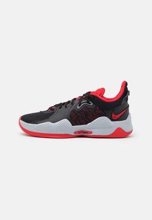PG 5 - Scarpe da basket - black/university red/white