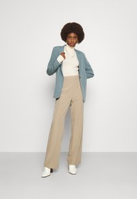 PIECES Tall - PCBOSSY PANTS - Trousers - silver mink - 1