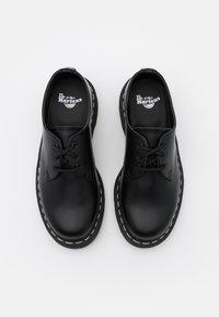 Dr. Martens - 1461 - Sznurowane obuwie sportowe - black smooth - 3