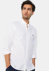 WE Fashion - SLIM FIT - Chemise - white - 3