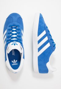 adidas Originals - GAZELLE - Trainers - blue/footwear white/gold metallic - 0