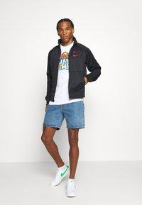 Nike Sportswear - TEE SUMMER WAVE - Print T-shirt - white - 1