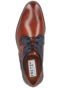 Fretz Men - Eleganckie buty - cognac - 1
