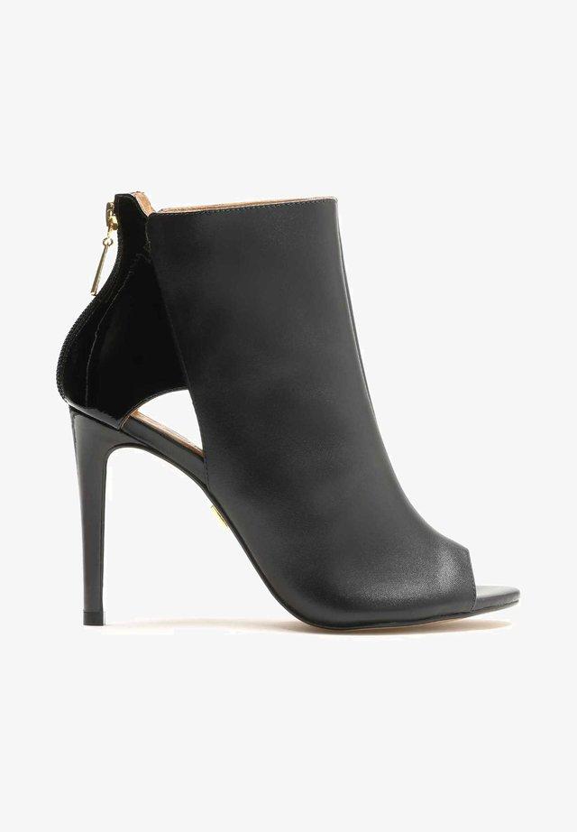 MEGAN - Højhælede peep-toes - black