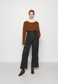 Monki - VERA TROUSERS - Trousers - black - 1