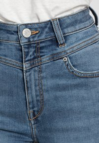 Esprit - SHAPING - Jeans Skinny Fit - blue medium wash - 4