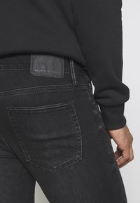 American Eagle - Slim fit jeans - washed black - 4