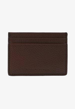 WAKE - Business card holder - cognac