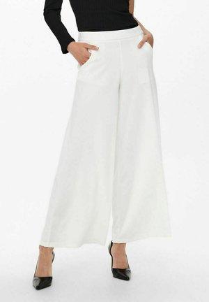 Trousers - cloud dancer