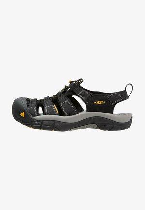 NEWPORT H2 - Sandalias de senderismo - black