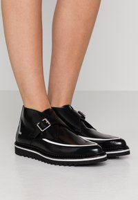 KARL LAGERFELD - BUCKLE SHOE MID - Ankle boots - black - 0