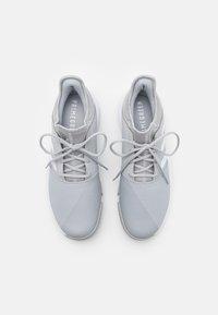 adidas Performance - GAMECOURT CLOUDFOAM - Multicourt tennis shoes - grey two/footwear white/silver metallic - 3