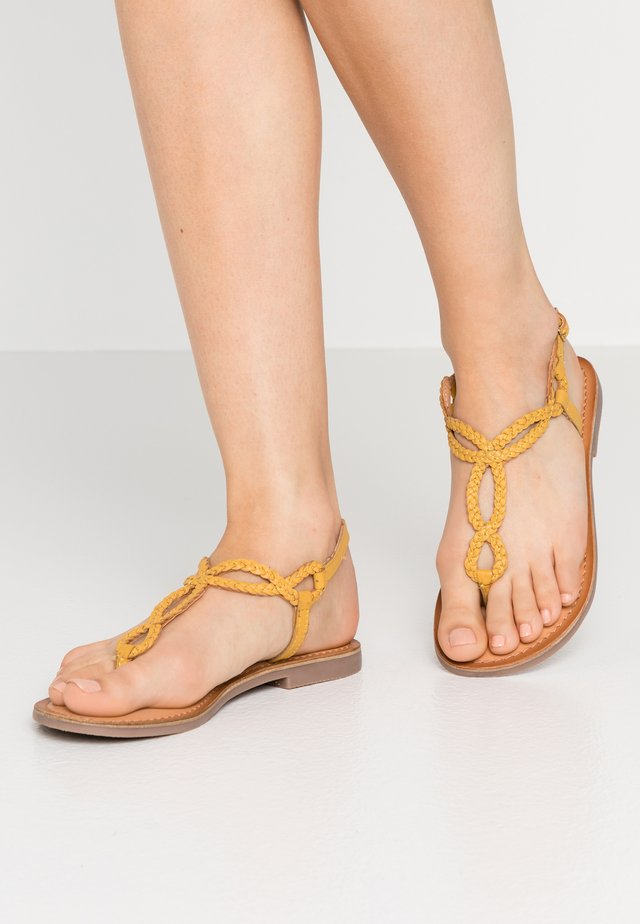 FYFFE - T-bar sandals - mostaza