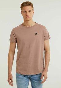 CHASIN' - Basic T-shirt - pink - 0