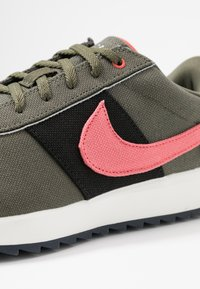 Nike Golf - CORTEZ G NRG - Golf shoes - twilight marsh/magic ember black - 5