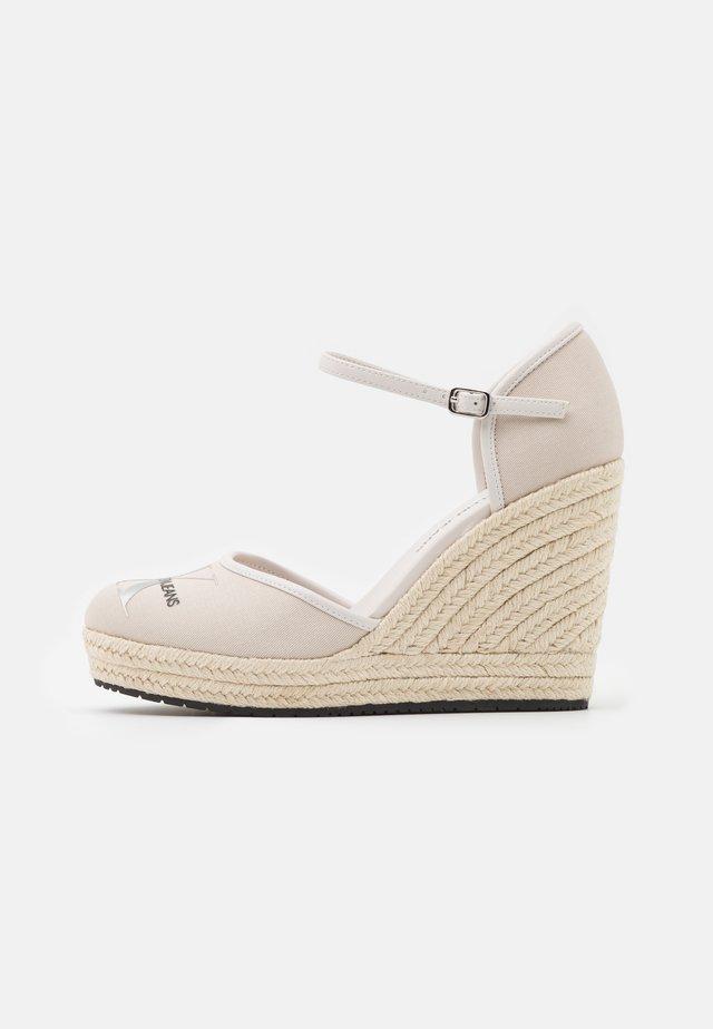 WEDGE CLOSE TOE  - Platform heels - white sand