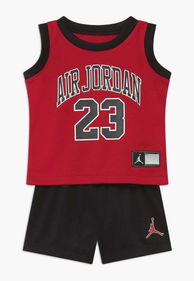Jordan - MUSCLE SET - Sports shorts - black