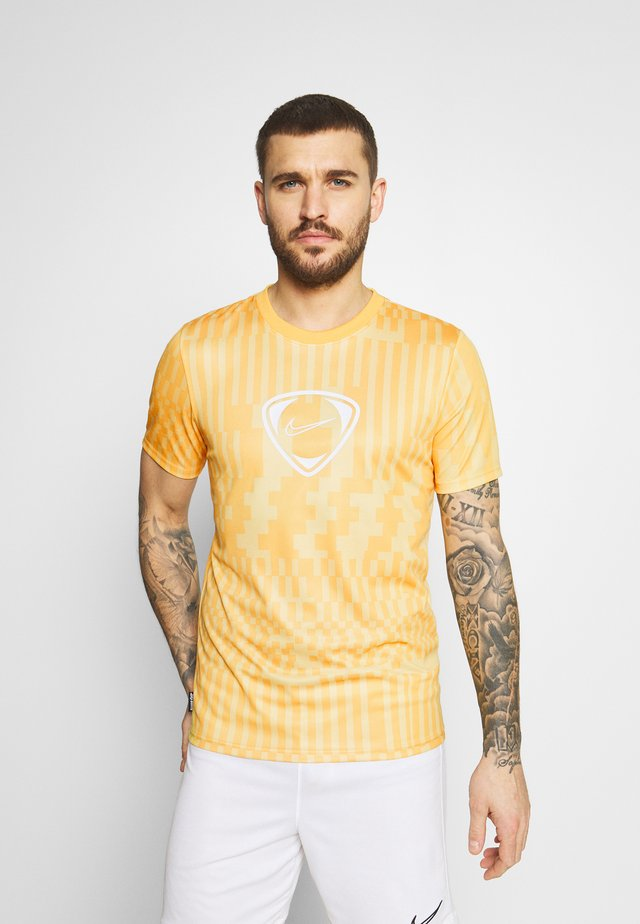 DRY - T-shirt print - saturn gold/pollen/white