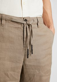 Benetton - Shorts - brown - 5