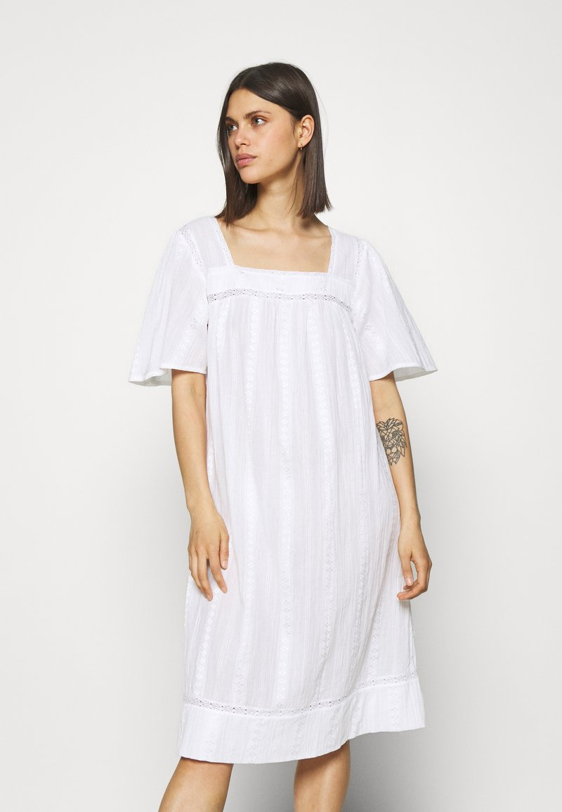 Marks & Spencer London - Chemise de nuit / Nuisette - white