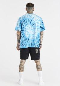 SIKSILK - SPACE JAM TIE DYE GRAPHIC TEE - Print T-shirt - blue/white - 2