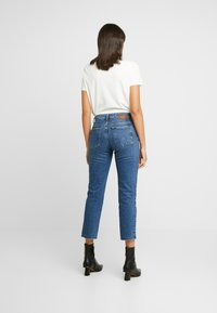Pieces - PCHOLLY STRAIGHT  - Jeans Straight Leg - blue denim - 2