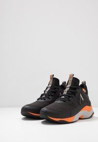 ARKK Copenhagen - STORMRYDR VULKN VIBRAM - Sneakersy niskie - black/orange - 2