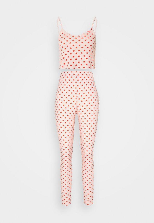 HEART CAMI AND JOGGER SET - Pyjamas - pink