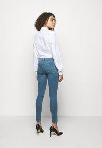 J Brand - SOPHIA MID RISE - Jeans Skinny Fit - joy - 2