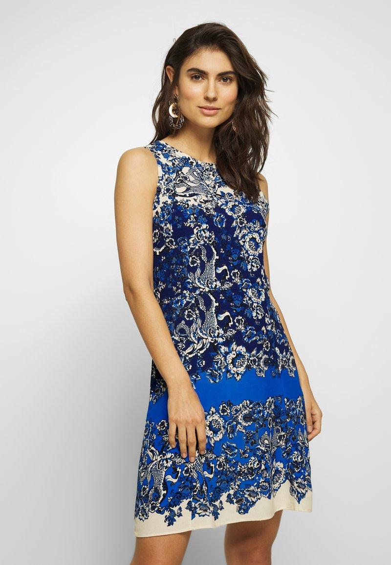 Desigual - VEST ATENAS - Robe d'été - azul dali