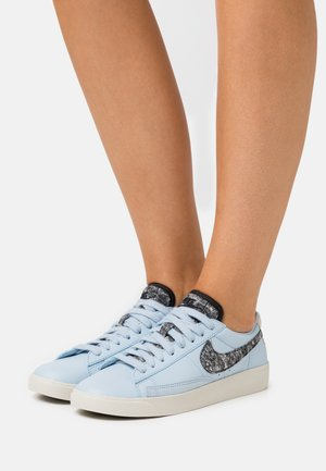 BLAZER - Sneakers laag - light armory blue/black