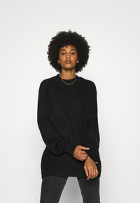 Tommy Jeans - LOFTY YARN CREW NECK - Strikkegenser - black - 0