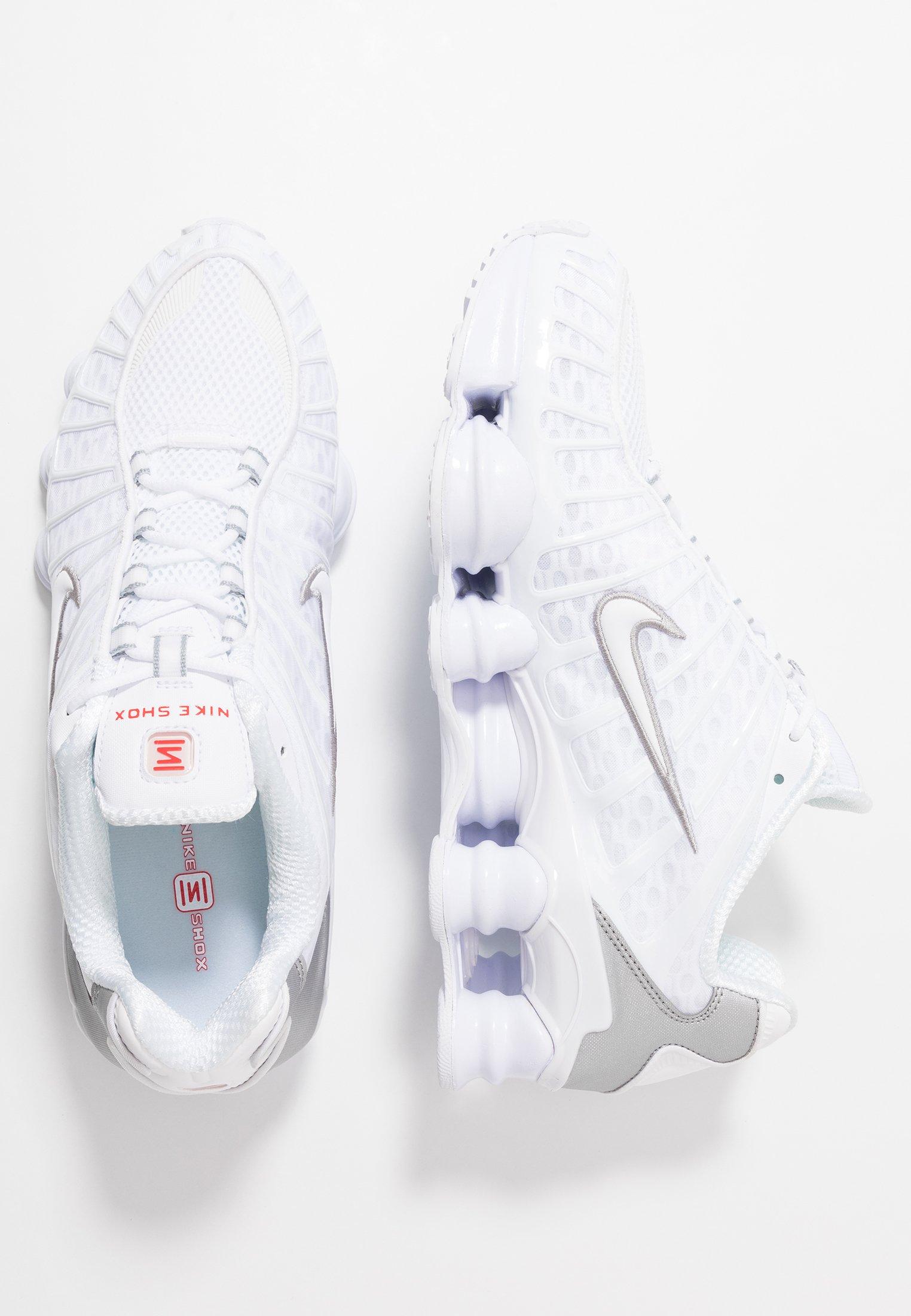 Nike Sportswear SHOX R4 Joggesko whitemetallic silver