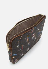 MICHAEL Michael Kors - JET SET LAPTOP CASE - Laptop bag - brown/multi - 3