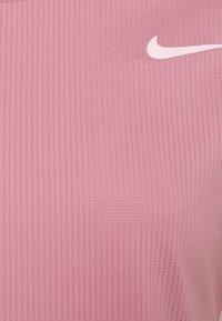 Nike Performance - Jednoduché triko - elemental pink/white - 6