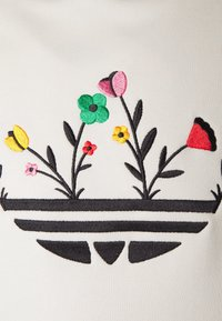adidas Originals - FLORAL TREFOIL UNISEX - Sweatshirt - off white - 6