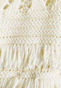 TWINSET - CARDIGAN IN PUNTO PIZZO CON FRANGE E CINTURA - Cardigan - white - 2