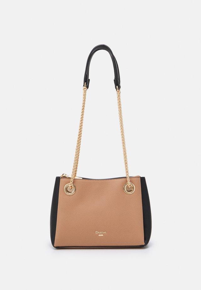 BEVETTE - Handbag - camel