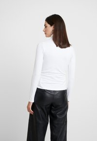 Anna Field - BASIC - Langærmede T-shirts - white - 2