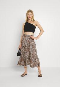 Forever New - SOPHIE DOUBLE SPLIT SKIRT - A-line skirt - caramel leopard - 1
