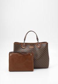 Emporio Armani - MYEABORSA SET - Handbag - moro/ecru/tabacco - 3