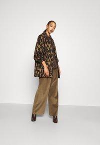 Diane von Furstenberg - CARMELLA COAT - Classic coat - cocoa brown - 1